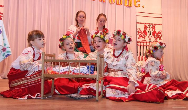 В станице Азовской творческие коллективы показали  народные  обряды